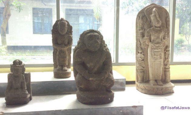Artefak isi museum airlangga kediri