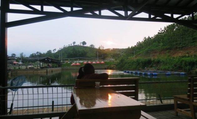 Kolam pancing wisata bukit dhoho indah kediri