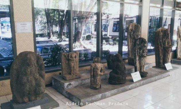 Koleksi museum airlangga kediri