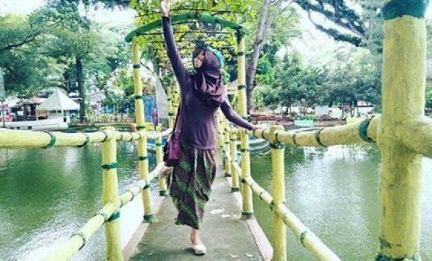 Wisata kediri kolam renang pagora