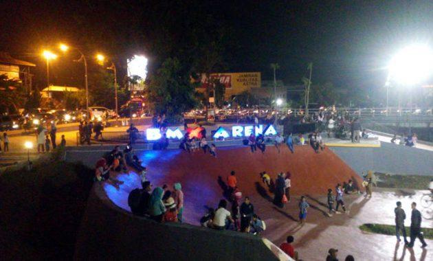Taman brantas malam hari