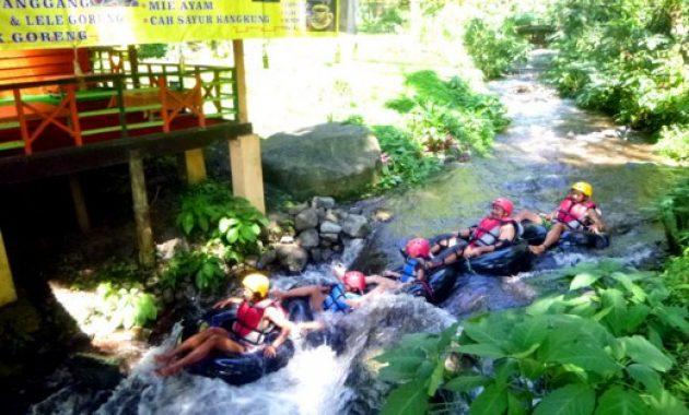 Fun Tubing Coban Rondo Malang