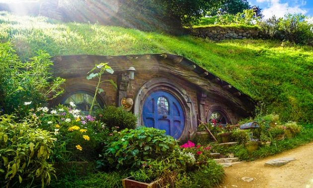 Rumah Hobbit taman kelinci malang