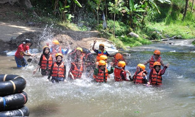 Wisata Hits Kampoeng Banyu River Tubing Malang