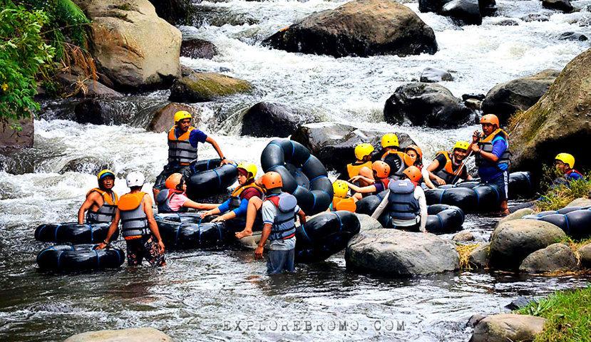 Wisata Kampoeng Banyu River Tubing Malang
