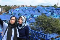 Wisata Kampung Biru Arema Malang