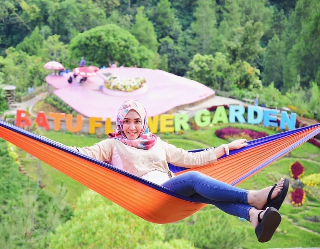 Spot foto batu flower garden malang