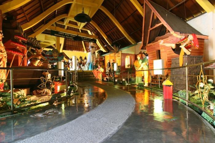 Wahana jatim park 1 malang galeri etnik nusantara