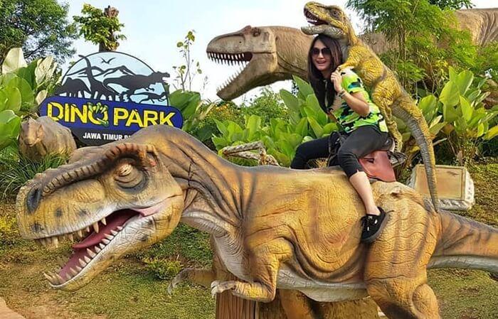 Jatim park 3 dino park malang